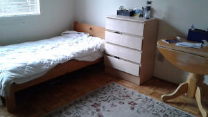 large bedroom for rent