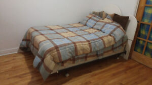Chambre disponible/ Room available