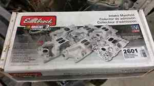 Sbc Edelbrock air gap intake