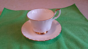 """Royal Albert """"Val D'or"""" Cup & Saucer Cambridge Kitchener Area image 2"""
