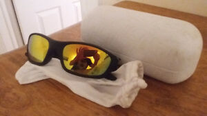 Oakleys, minor wear, with case and sleeve. Peterborough Peterborough Area image 2