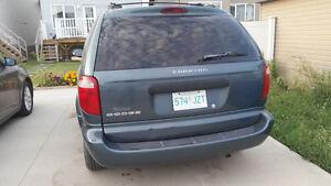 2005 Dodge Caravan SE Minivan, Van with DVD player
