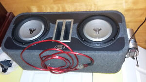 "Two 10"" subwoofers JL audio with amp"