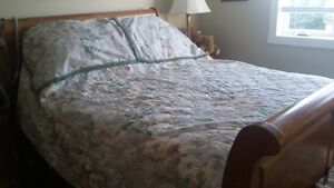 Queen Size Bed Spread and matching pillow shams and valance