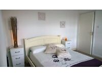 ZONE 1 ! GORGEOUS DOUBLE BEDROOM !!!! AVAILABLE NOW !
