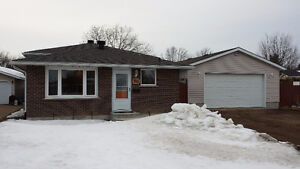 Immaculate 4 Bedroom Back-split in desirable East End Location
