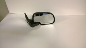 mirrors to fit 2006 gmc Kawartha Lakes Peterborough Area image 3
