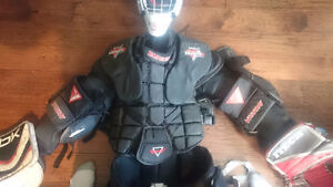 sr goalie equipment (full)