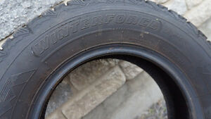 4 Pneus d'hiver / Winter Tires Winterforce 195/70R14 West Island Greater Montréal image 2