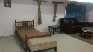 bedroom+living room+ private 3 pcs washroom / Roommate wanted Cambridge Kitchener Area image 2