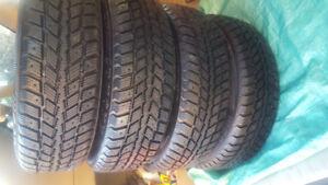 4 pneus d hiver 175 65-14 monter sur rims 4x100 weathermaxx