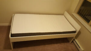 SLÄKT IKEA twin bed + MORGEDAL mattress