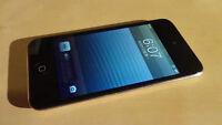 Ipod Touch 4e génération 8GB (noir) /4th generation 8GB black