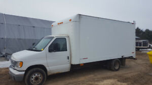 2001 Ford E450 cutaway camion cube 16 pieds 7.3L Powerstroke
