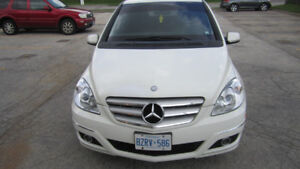 2009 MERCEDES-BENZ B200 in MINT CONDITION