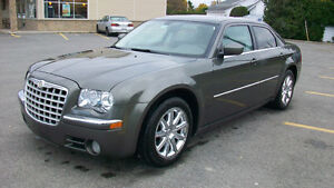 2008 Chrysler 300 limited cuir,toit tres propre!!! 5000.00$