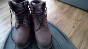 WOMENS WORK BOOT SIZE 10 SAFETY TOE