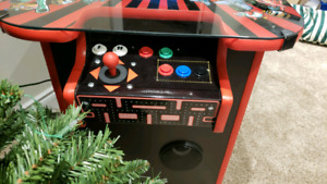 Midway inspired cocktail arcade machine plays 600+ games