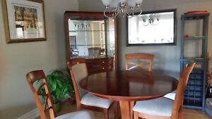 CUMBERLAND MATCHING TABLE AND CHAIRS