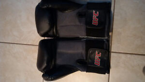 UFC boxing sparring gloves 25 each or 40 for both