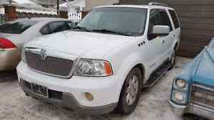 2004 Lincoln Navigator Loaded AWD  $6000 obo