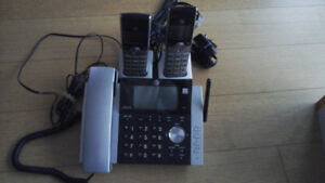 AT & T 2 Handset Phone/Answering system