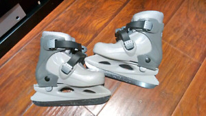 Brand new condition ccm youth adjustable skates