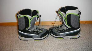 Forum Team snowboard boots. Regina Regina Area image 2