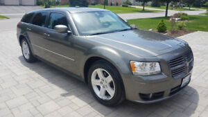 Rare Body Style 2008 V6 Dodge Magnum Car for Sale!!