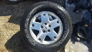 2 each 235/70R16Ford Escape Rims little scratched Great Tires