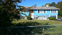 5 bdrm. hobby farm, corner lot, 3 driveways, 2 bdrm. suit dn/str