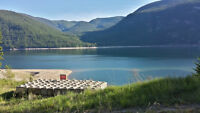 PRIVATE BEACH FRONT PROPERTY IN CASTLEGAR B.C. (SUBDIVIDABLE)!!!