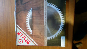 Scoring blade off of altendorf table saw brand new , still in th