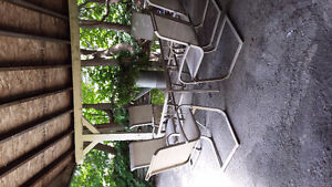 Patio table & 6 chairs