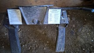 REDUCED!  5th wheel hitch