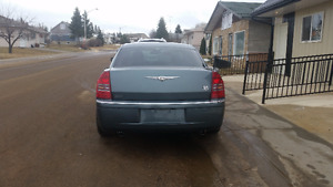 2005 Chrysler 300-Series  fully loaded