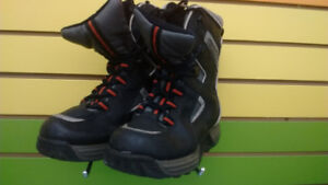 (303A) Boy's winter boots Size 4Youth