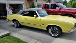 1972 Oldsmobile Cutlass black leather Convertible