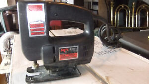 skil jig saw in good cond comes with blades