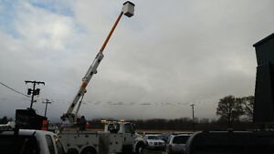 2002 International Bucket Truck! Cert and E-tested London Ontario image 9