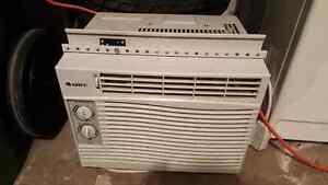 climatiseur de fenetre, air conditioning  A/C
