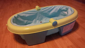 Summer Infant bath tub for newborn/toddler