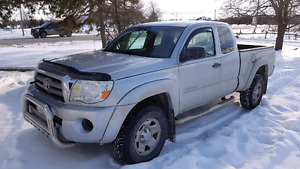 2010 Toyota Tacoma 4x4 5 speed manual SR5