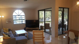 Huge 3 bedroom condo in Boynton Beach Floride