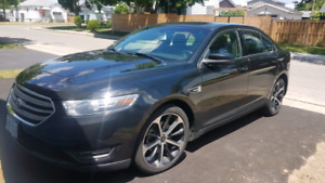 2014 Ford Taurus SEL.  AWD, low km
