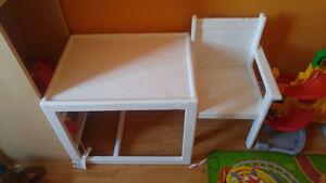 Petite table avec chaise