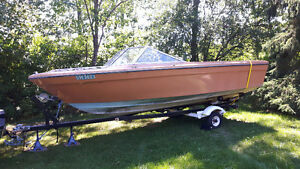 Reduced 17-foot fibreglass boat. Need gone.