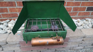 Vintage Coleman camp stove Model 4M 2 Burner