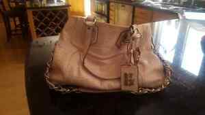 Authentic Pink Leather COACH purse in excellent condition Kitchener / Waterloo Kitchener Area image 2