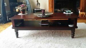 2 tables de salon en merisier véritable bourgogne